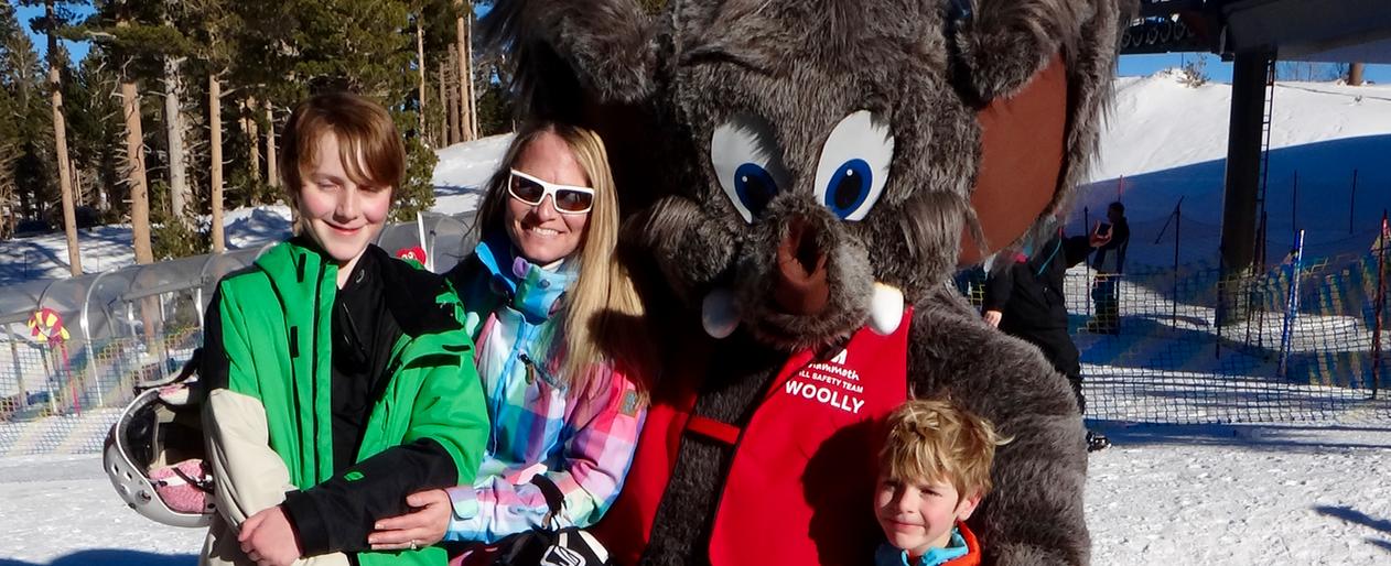 Mammoth Mountain Ski and Snow Play with @TheGoToMom & Kids!